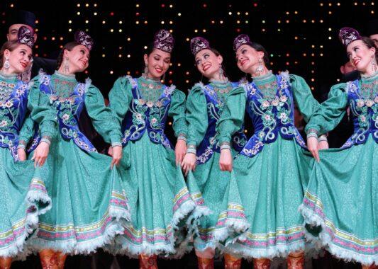 Ансамбль песни и танца из Татарстана приедет с гастролями к жителям Удмуртии
